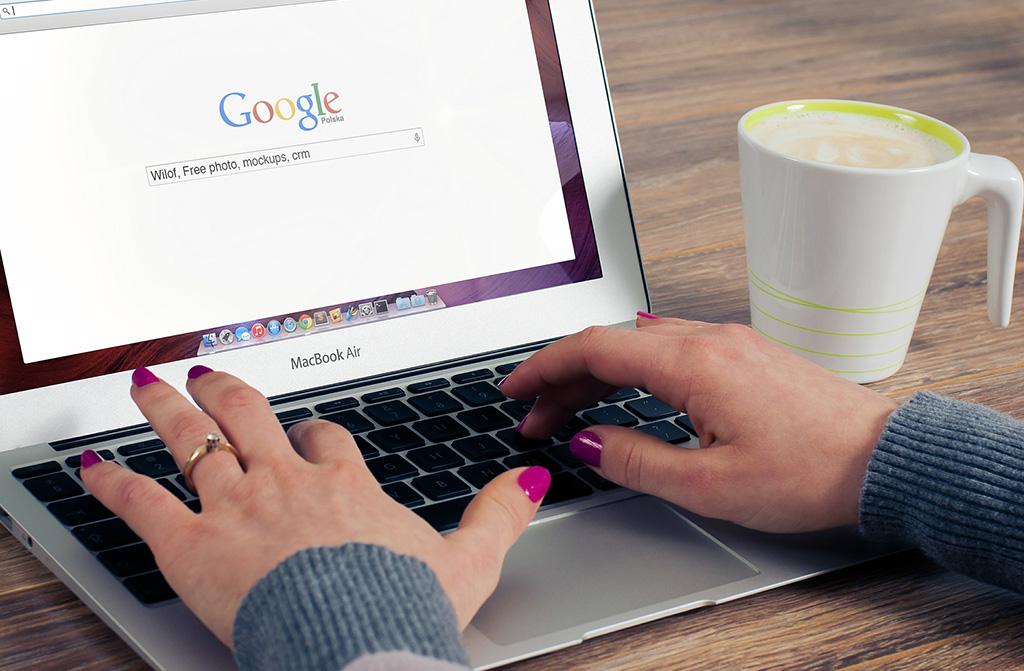 Google testet neue Darstellung: URLs fallen weg